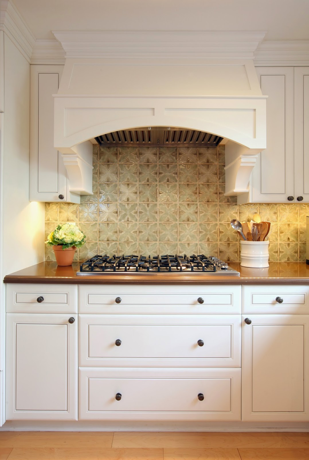 traditional.country.kitchen.design