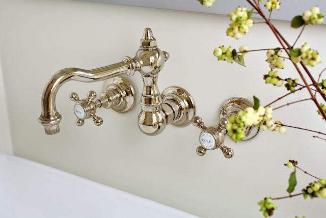 tap.handle.modern.bathroom.luxury