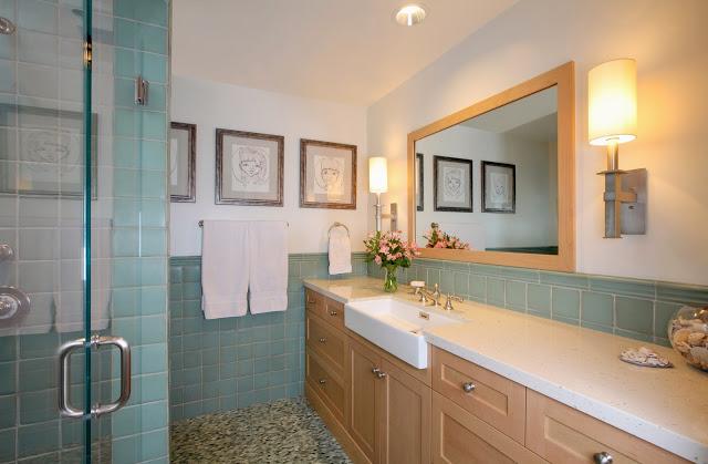 calming.blue.blonde.wood.bathroom.design