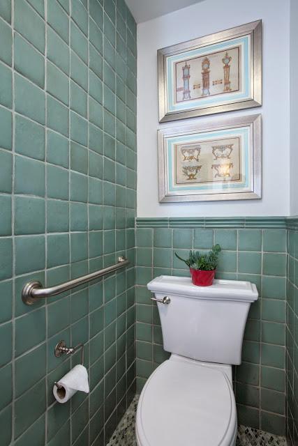 blue.calming.modern.bathroom.design