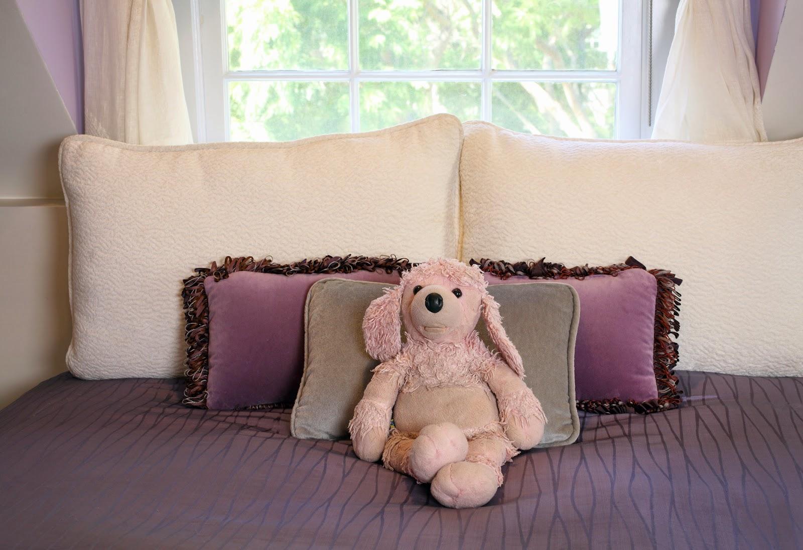 soft.fabric.purple.bedroom
