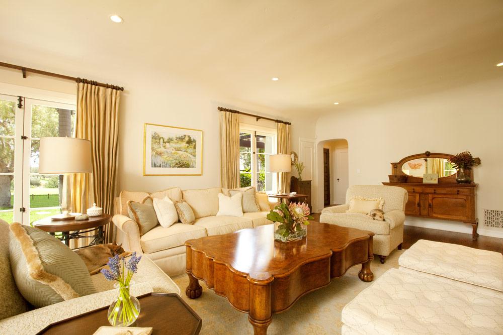 traditional.formal.livingroom.design