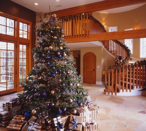 christmas.tree.decor