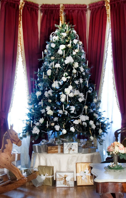 floral.christmas.decor