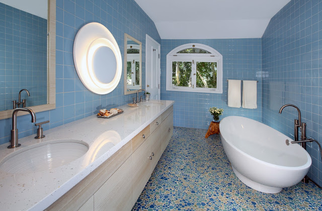 blue.bathroom.bathtub.floating.vanity