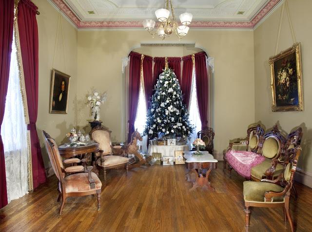 traditional.luxury.Christmastree