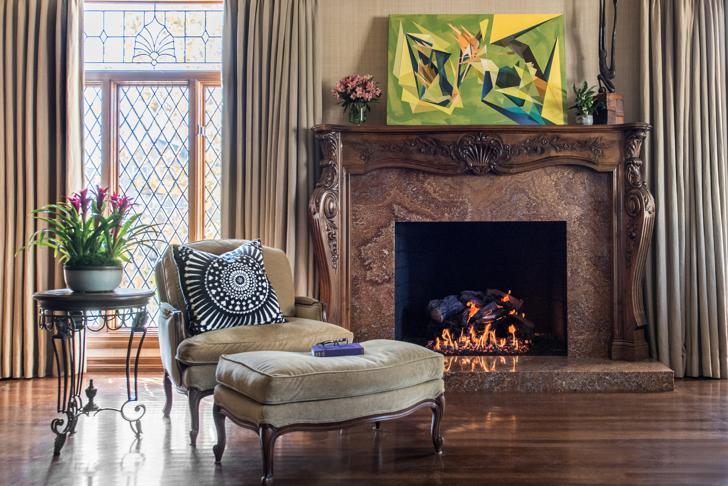 interior.design.traditional.fireplace.jpg