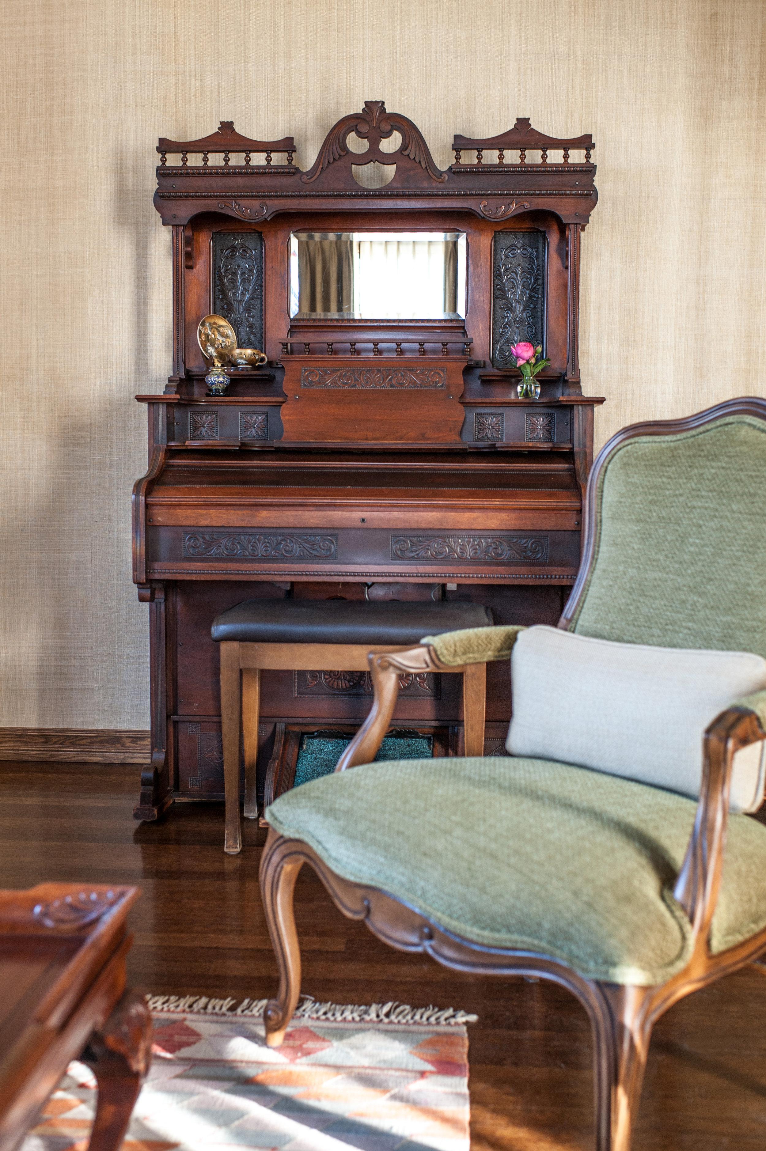 antique.piano.design.jpg
