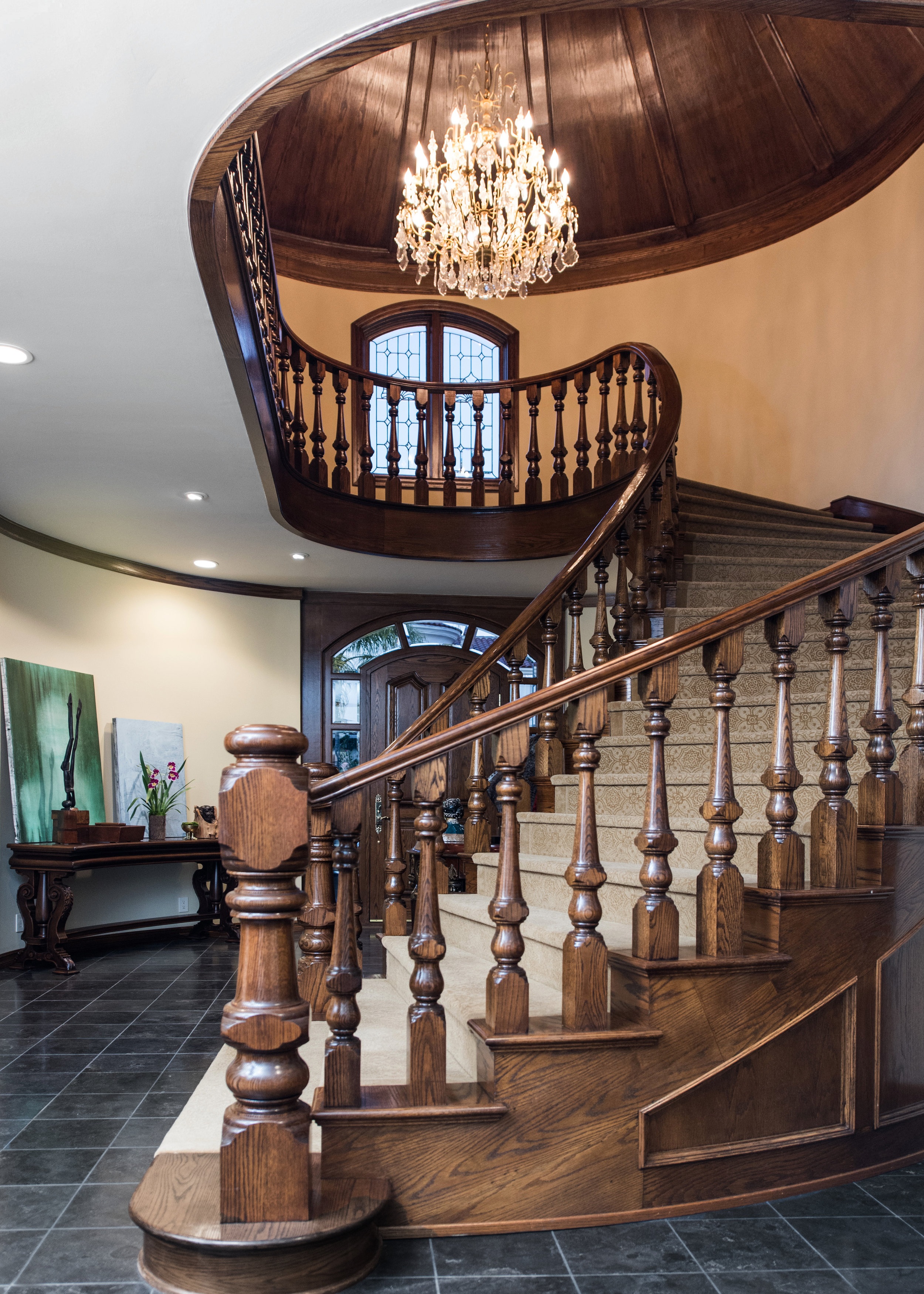 Sarah-barnard-design-traditiondal-grand-foyer.jpg