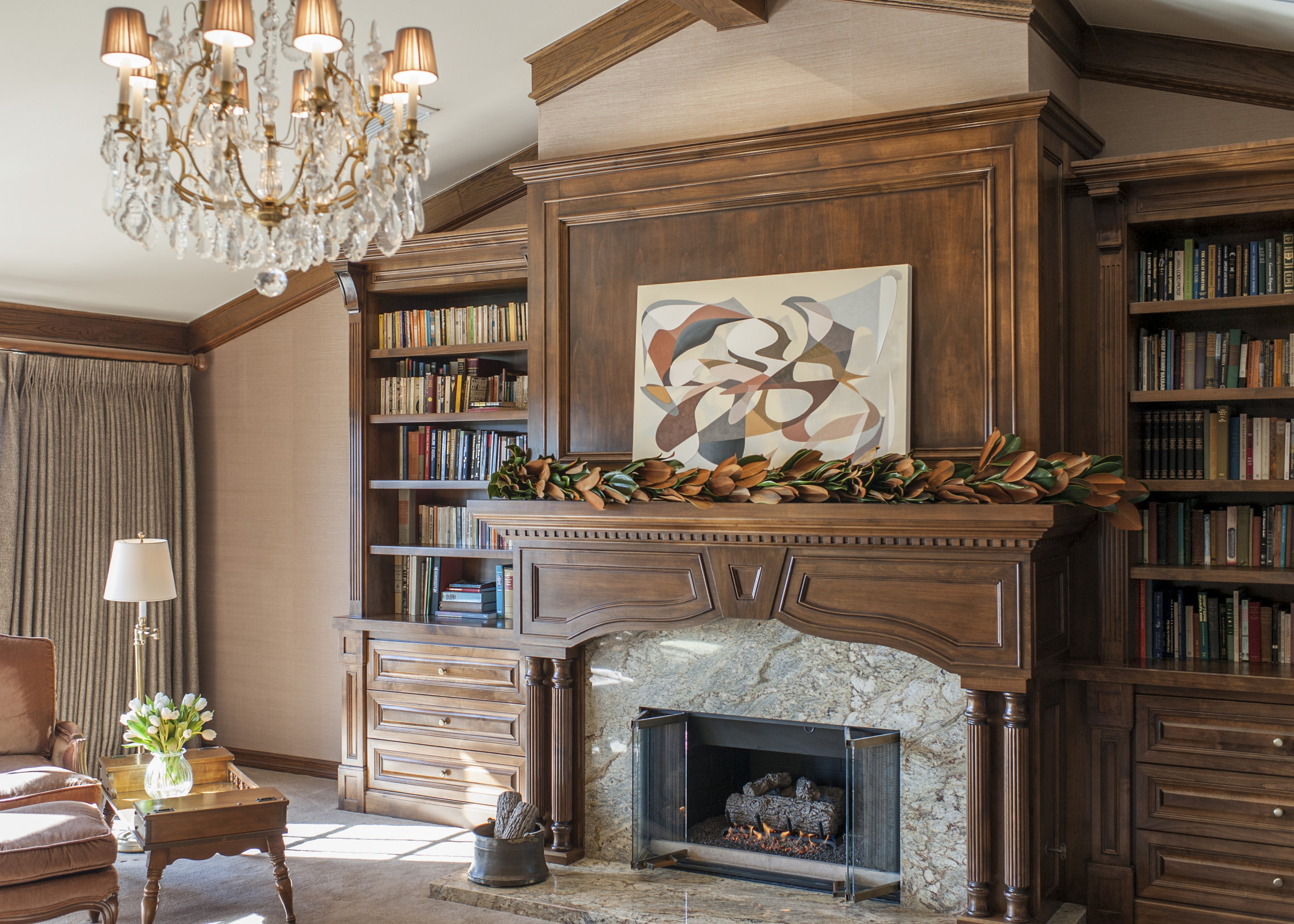 Sarah-barnard-design-traditiondal-palisades-master-bedroom-fireplace.jpg