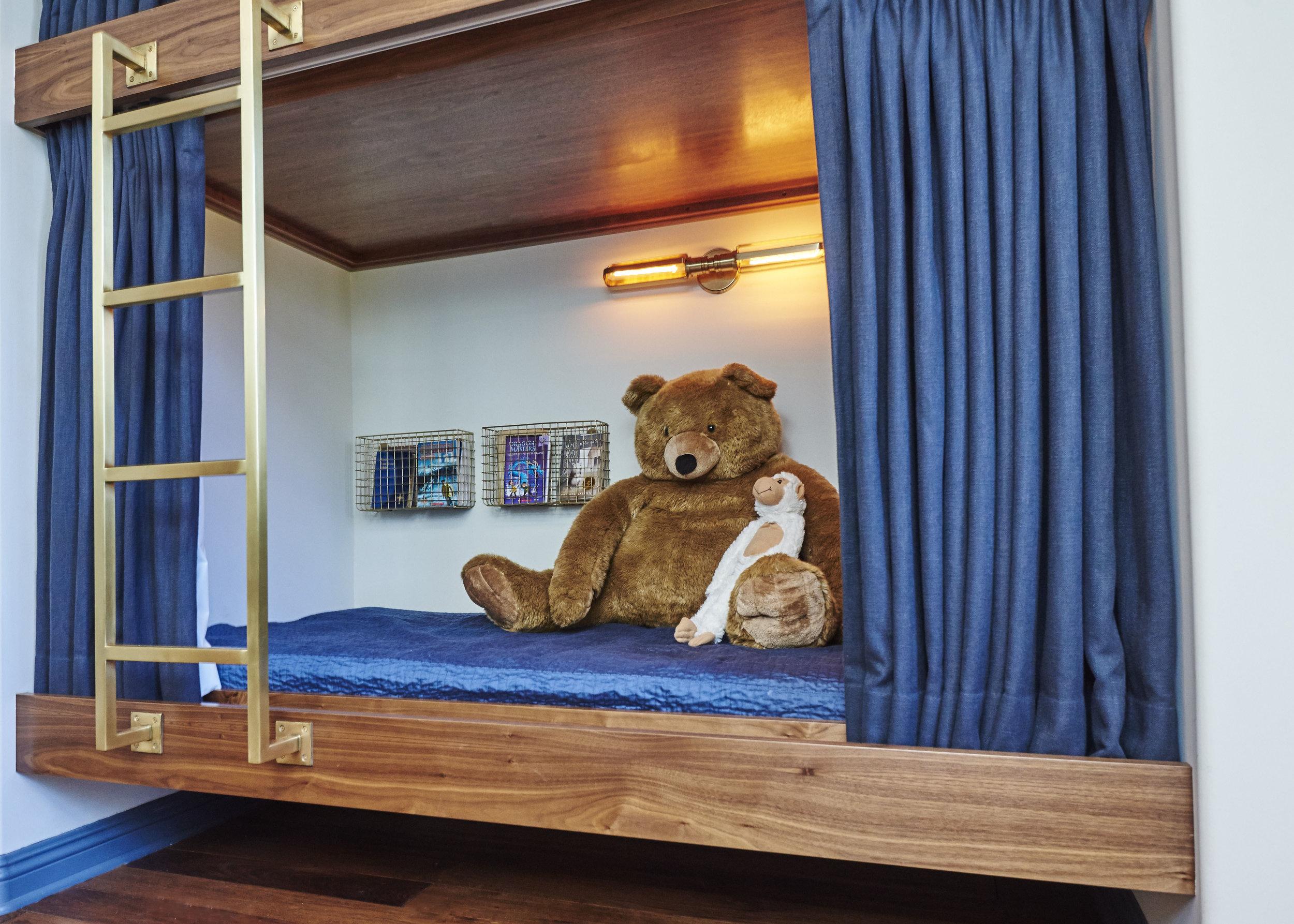 Sarah.barnard.design.modern.boy.bedroom.bunkbed.jpg
