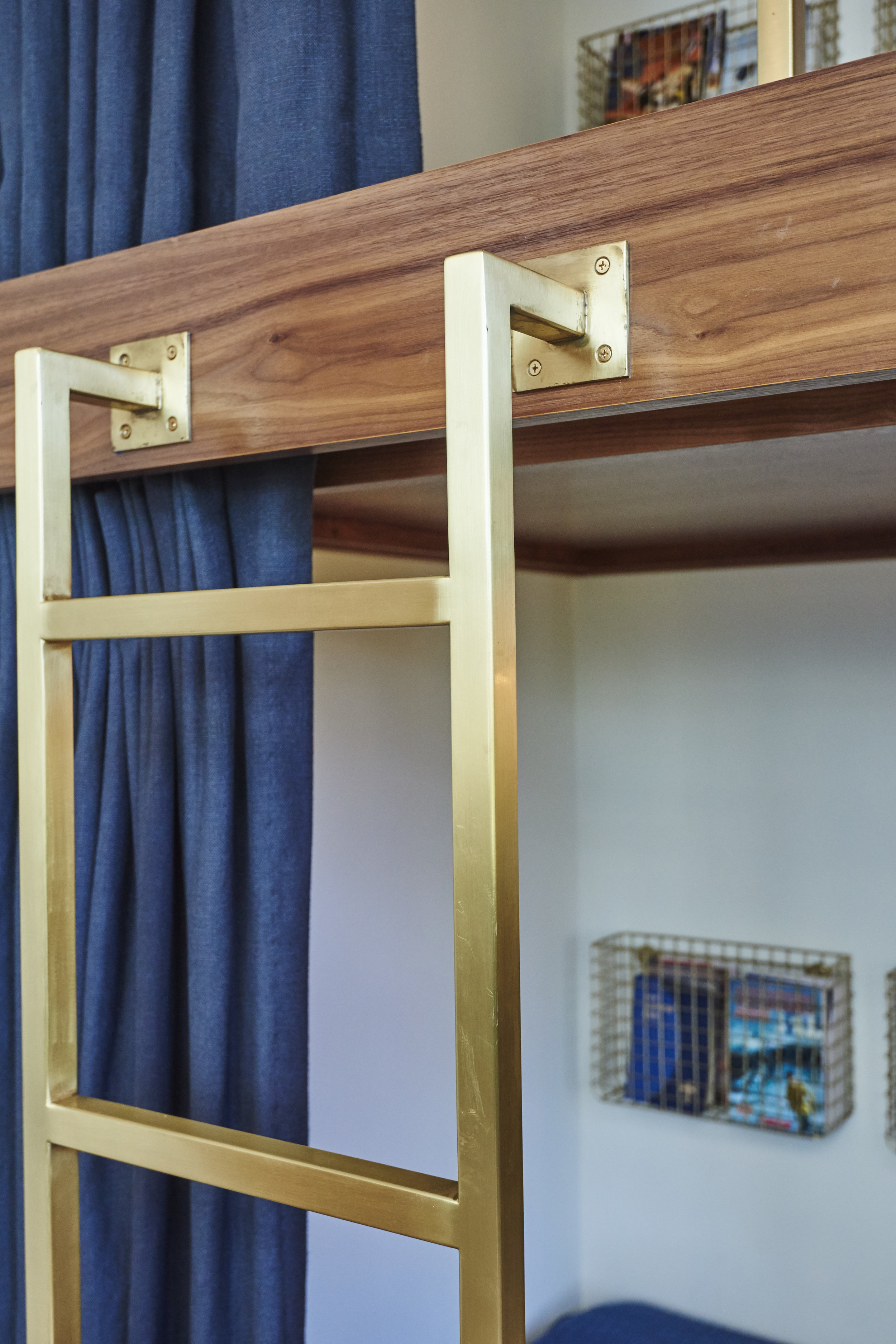 Sarah.barnard.design.modern.boy.bedroom.ladder.bunkbed.jpg