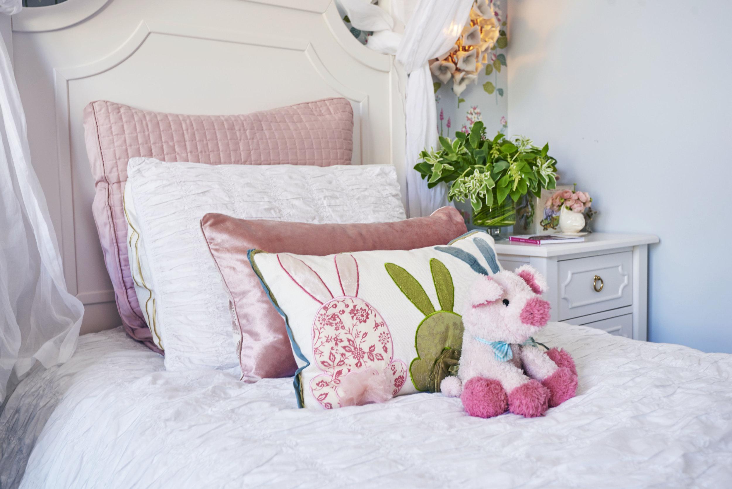 Sarah.barnard.design.little.girls.bedroom.shams.jpg