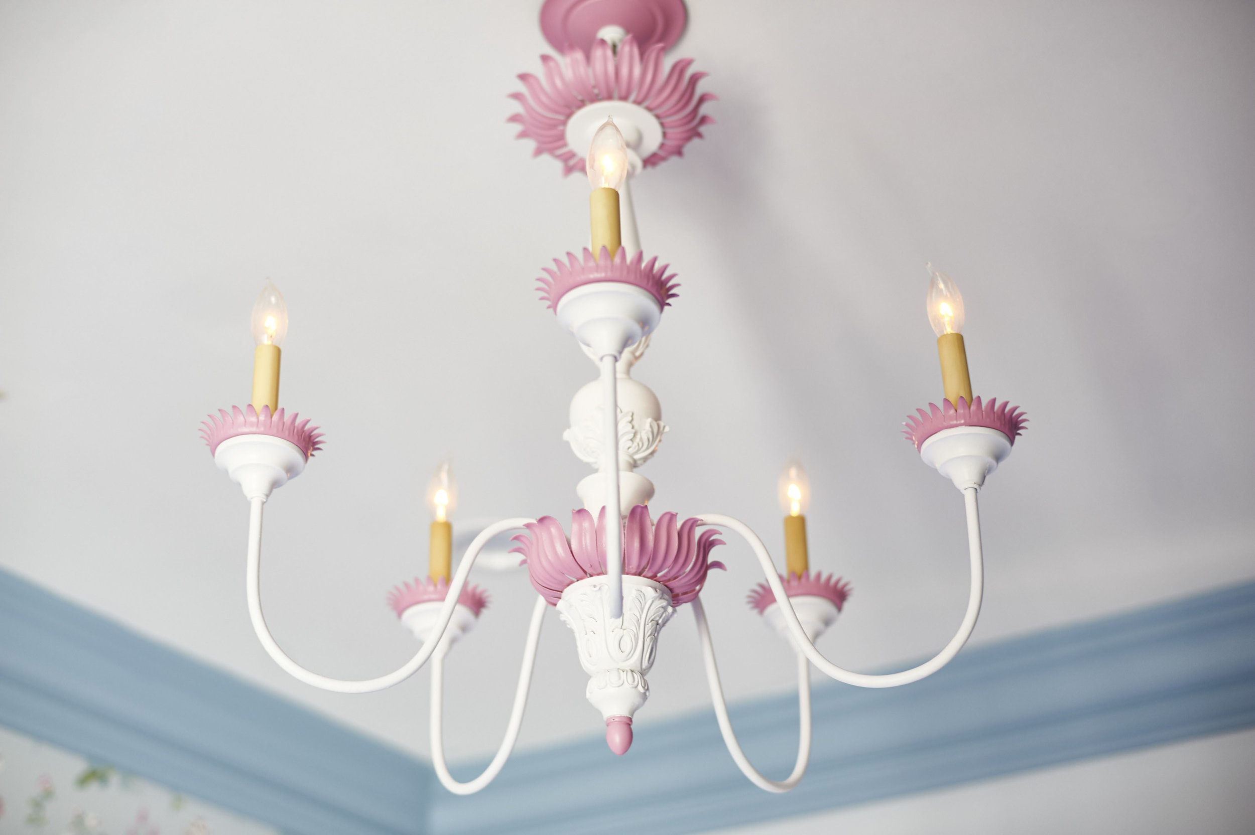 Sarah.barnard.design.little.girls.bedroom.chandelier.jpg