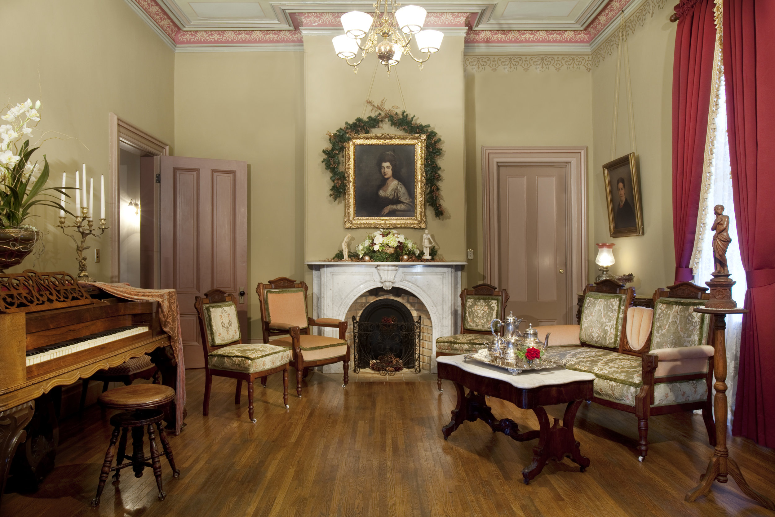 Sarah-barnard-design-traditional-livingroom.jpg