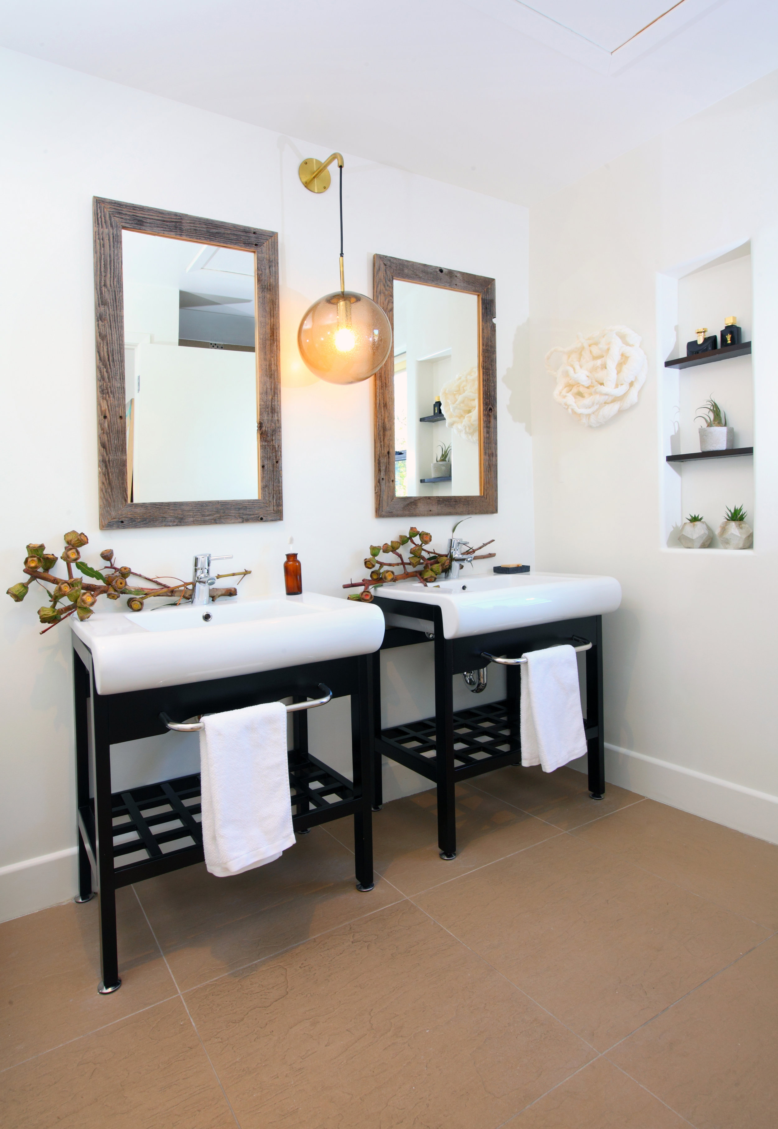 Sarah-barnard-design-modern-luxury-master-bathroom.jpg