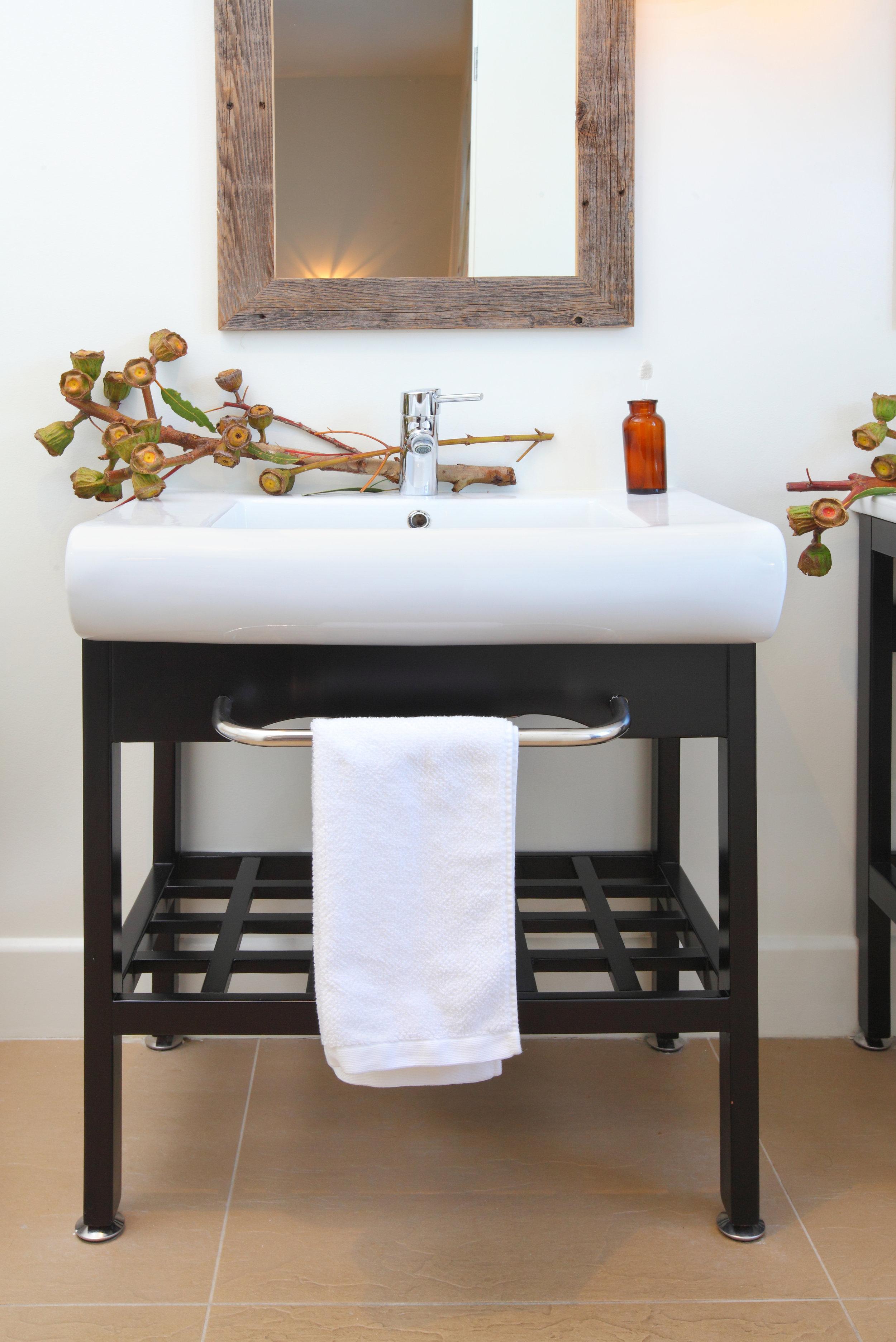 Sarah-barnard-design-modern-luxury-bathroom-sink.jpg
