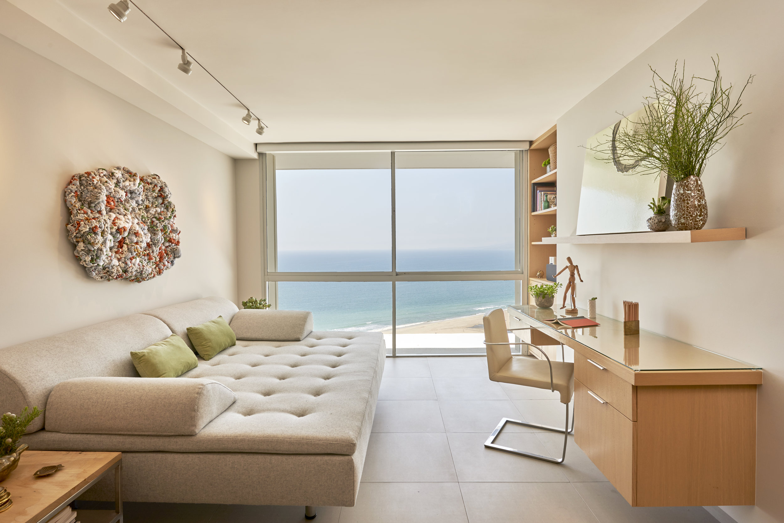 Interior Design: Sarah Barnard, Artwork: Renae Barnard + Ruben Vincent, Photo: Steven Dewall