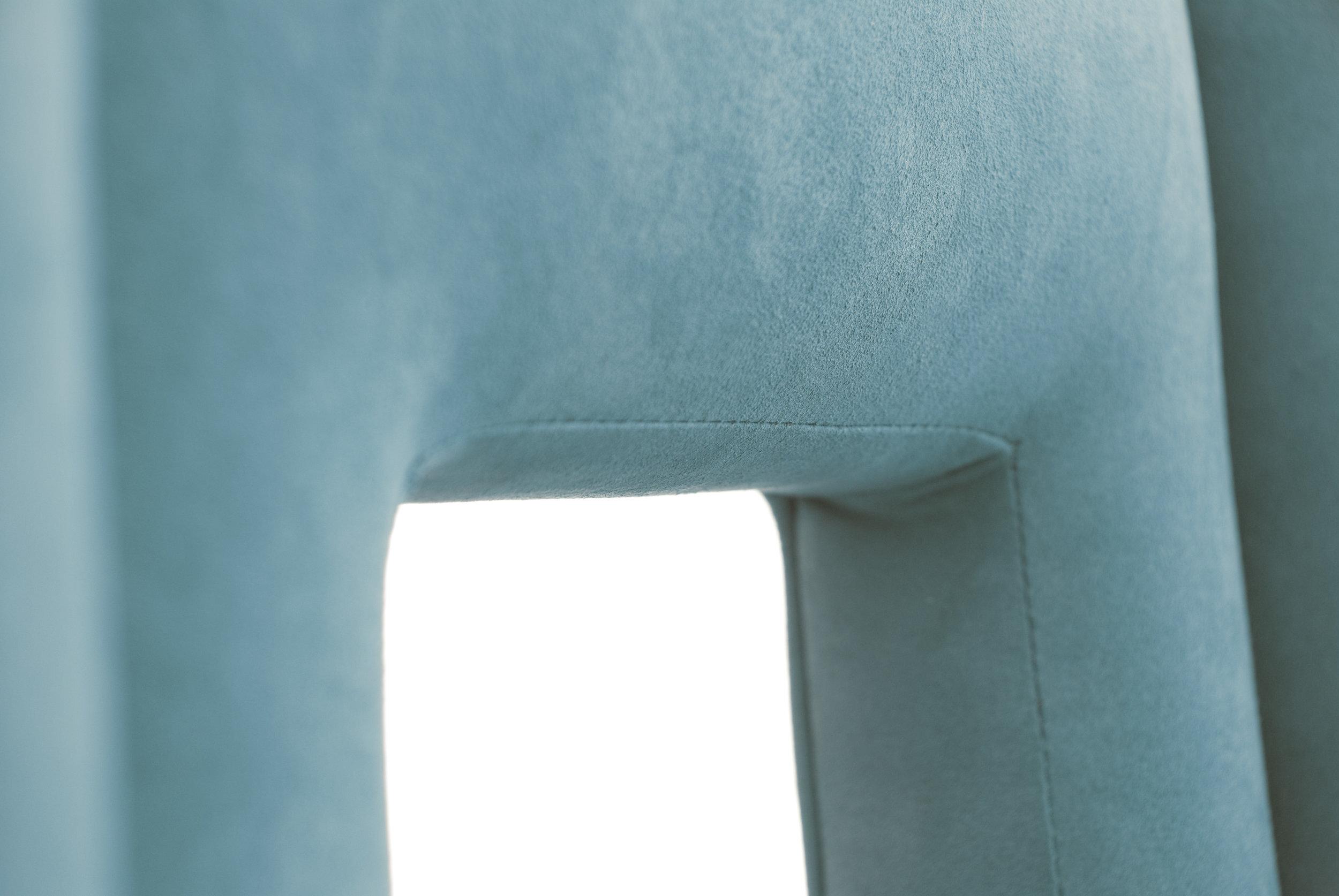 stevie-blue-detail-2.jpg