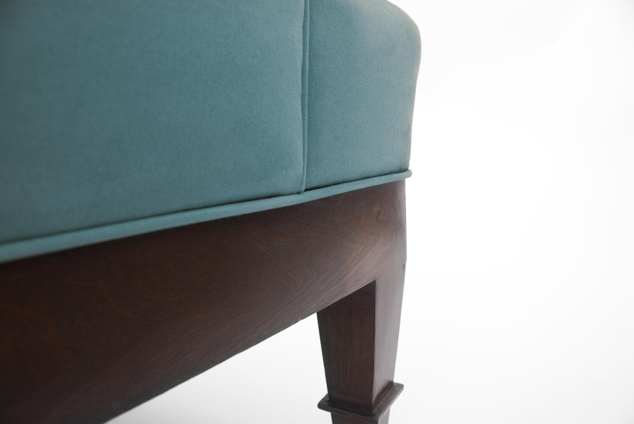 stevie-blue-detail-1.jpg