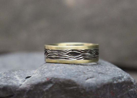 Wood Grain Weding band Silver and 14k.png