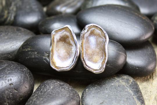druzy earrings.png