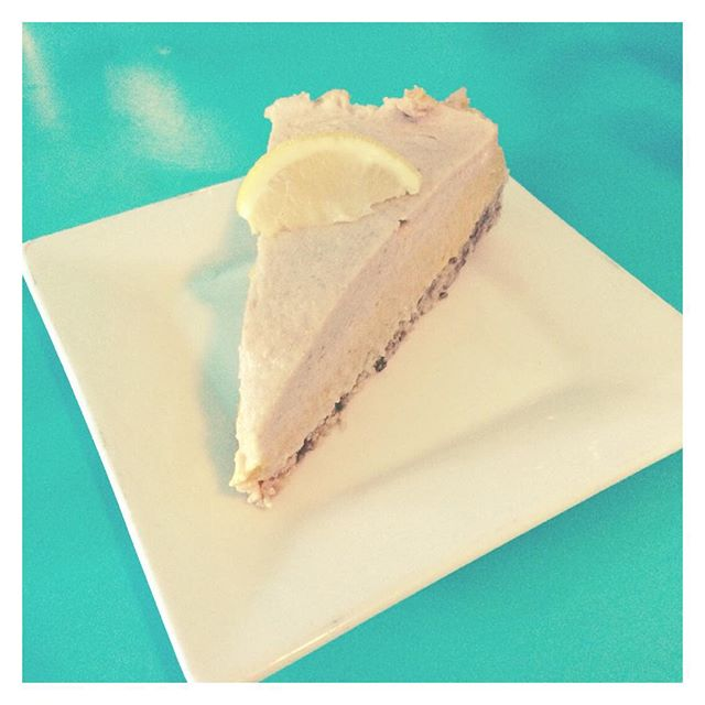 Because Vegan Lemon Cheesecake.  #vegan #plantbased #cheesecake #lemon #summer #veganrunners #veganfoodshare #whatveganseat #findingfull @countercultureaustin