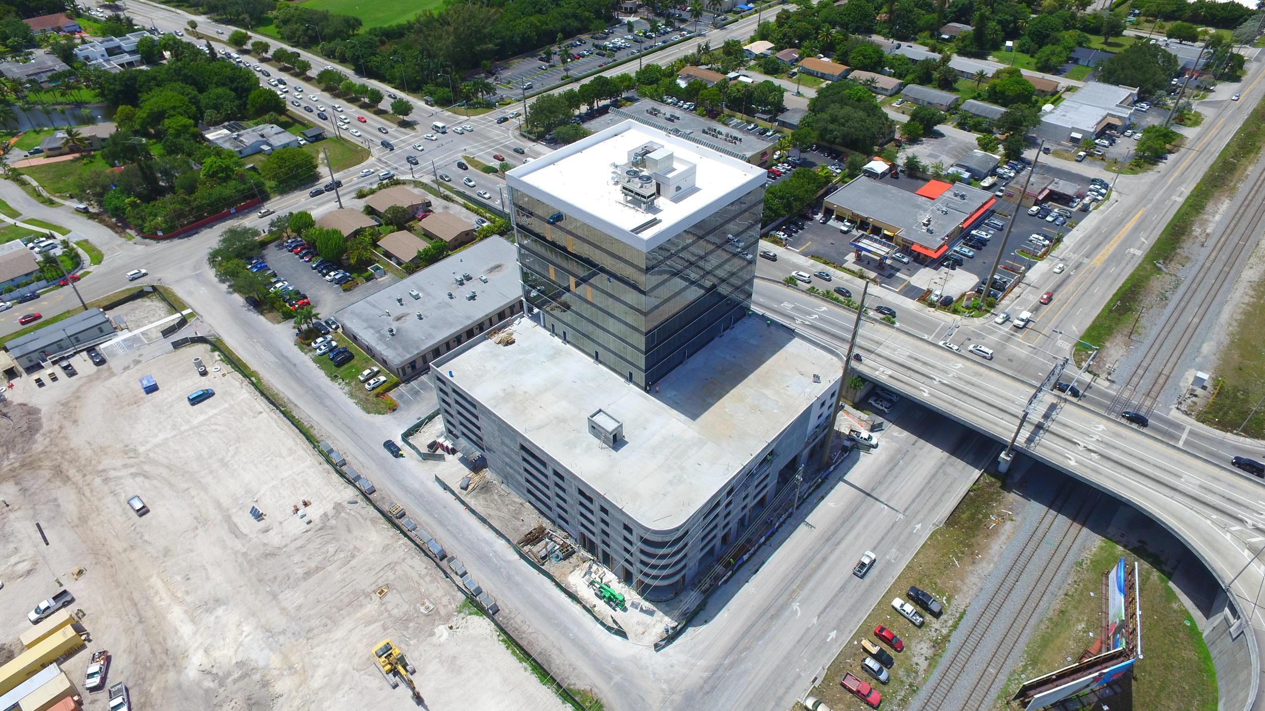 SE view of Beacon Tower of Aventura.