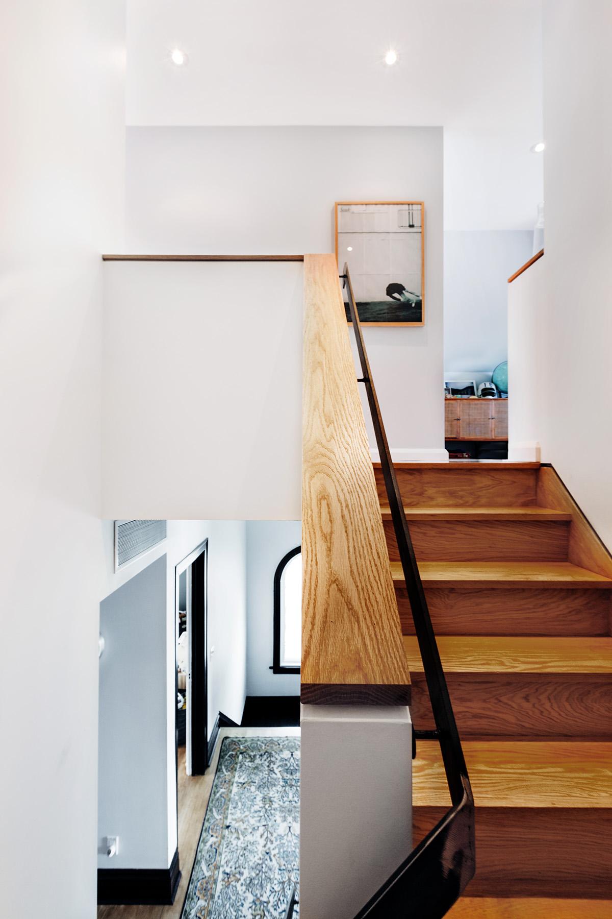 6 Third floor stair 2.jpg