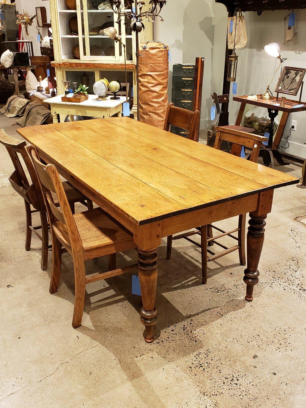 Table de Ferme en Pin Country Antique M 12 — Style Labo Antiquités