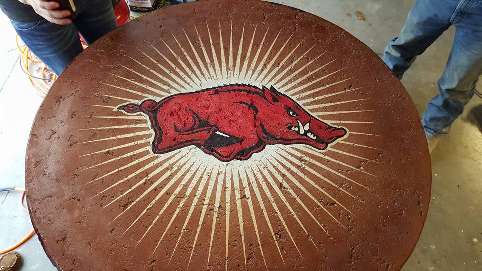 Razorback Tablepic7.jpg