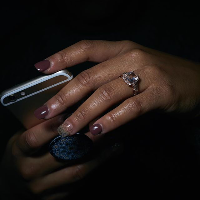 #engagementring #engagementphotos #engaged #photography #photographyislifee #jewelryoftheday #jewelry #rings #nikonphoto #weddinginspiration #dopeart #visionaryart #artistsofinstagram