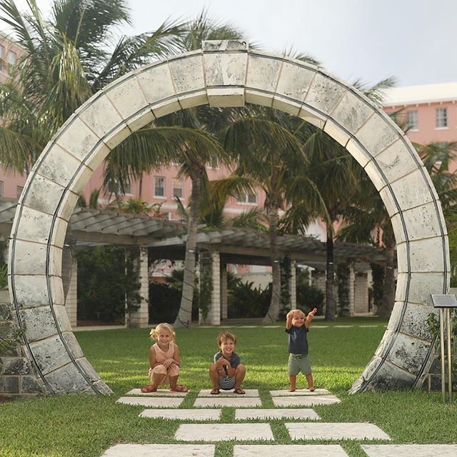 We found the Bermuda Circle 😉 /// @thebucketlistfamily