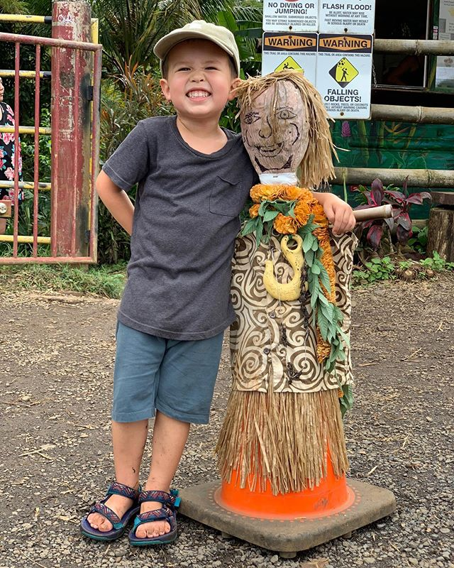 Dorothy and I have made really good friends in Hawaii. They're pretty quiet, super hard headed, and totally nuts 🥥😉🥥 @thebucketlistfamily