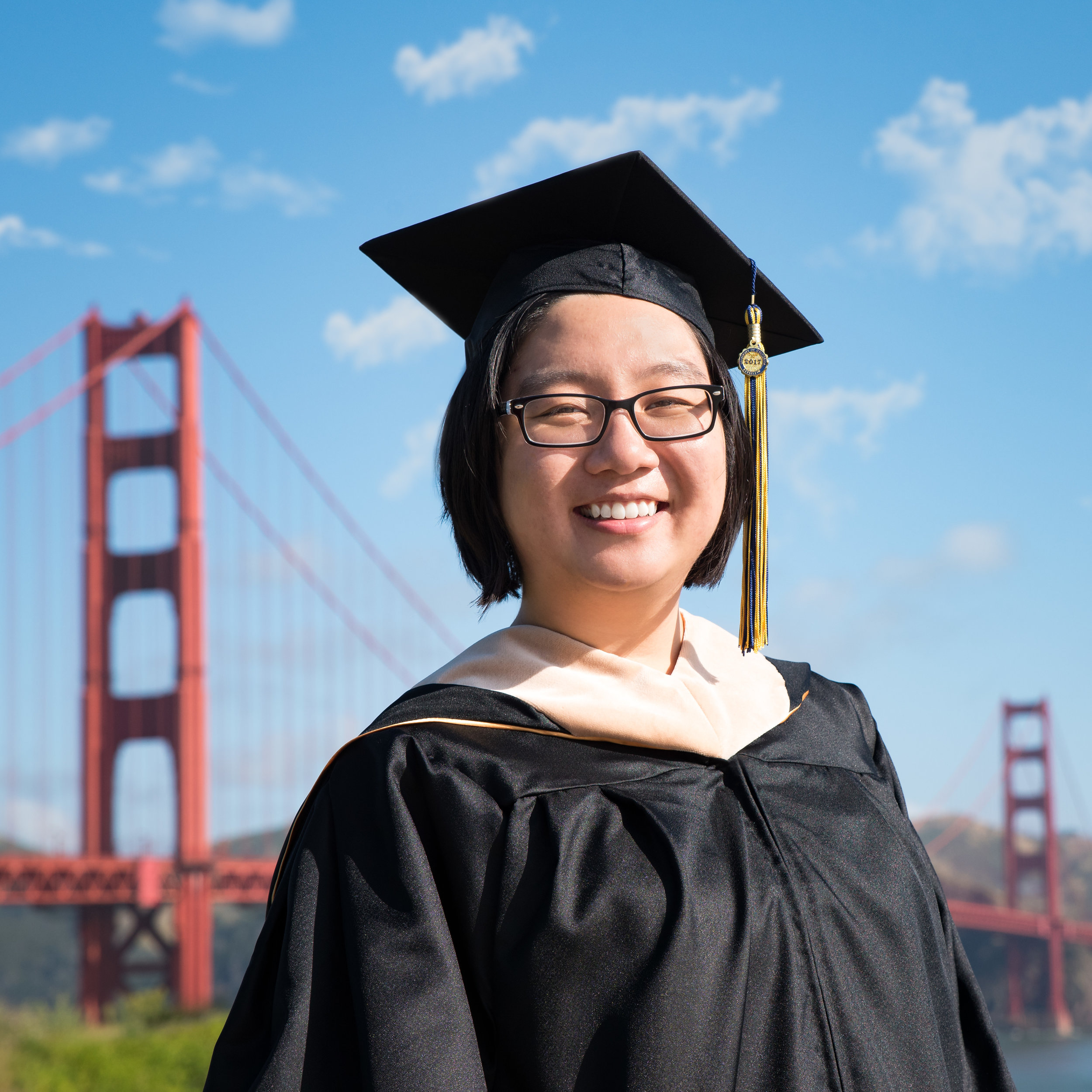 Graduation Portrait_Golden Gate Bridge_Liz.jpg