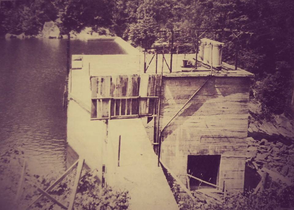Cane River Dam 1916.jpg