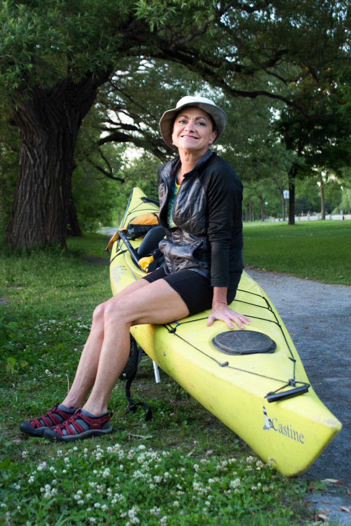 Julie dans le Parc Maurice-Richard, à quelques pieds du rivage.