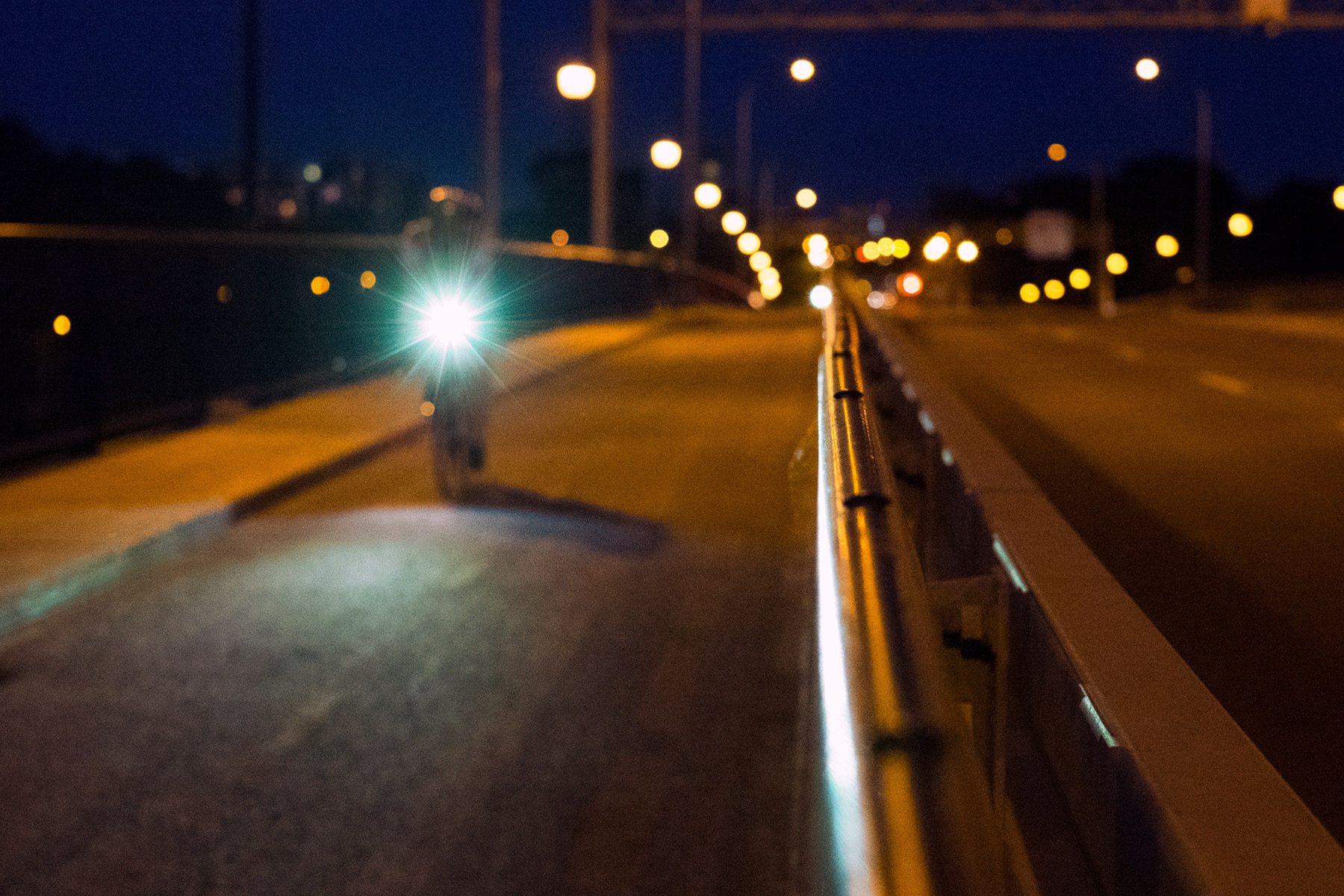 L'Express de Laval sur le Pont Viau