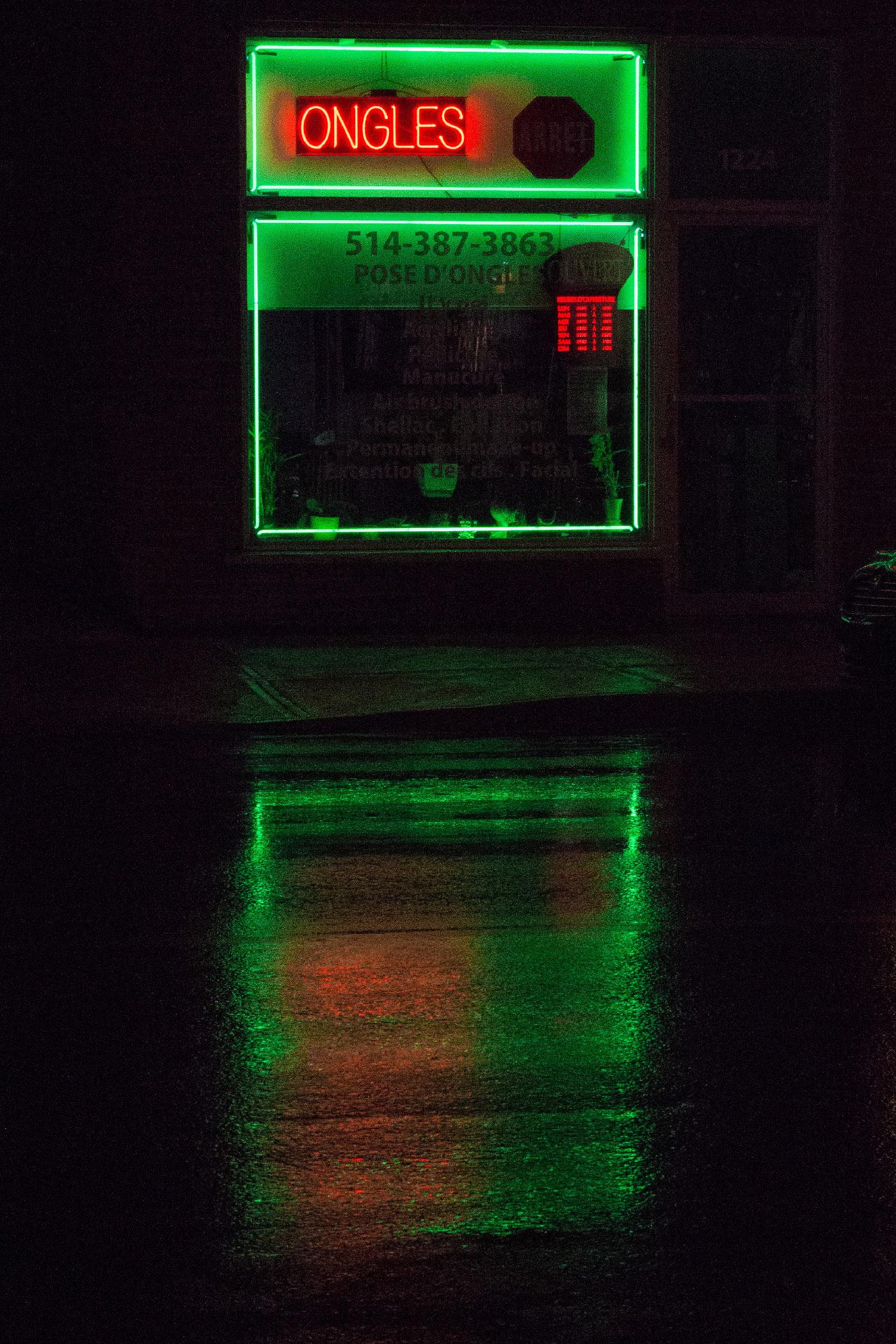 Ongles sous la pluie, Promenade Fleury.