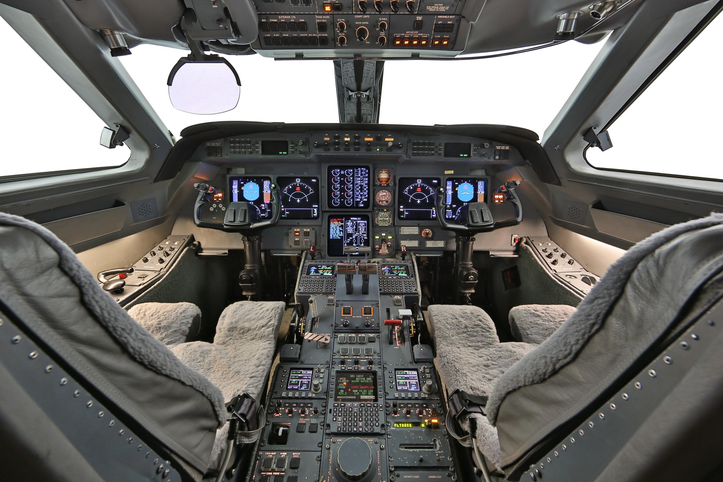 GV_sn#601_cockpit_ss_--17.jpg