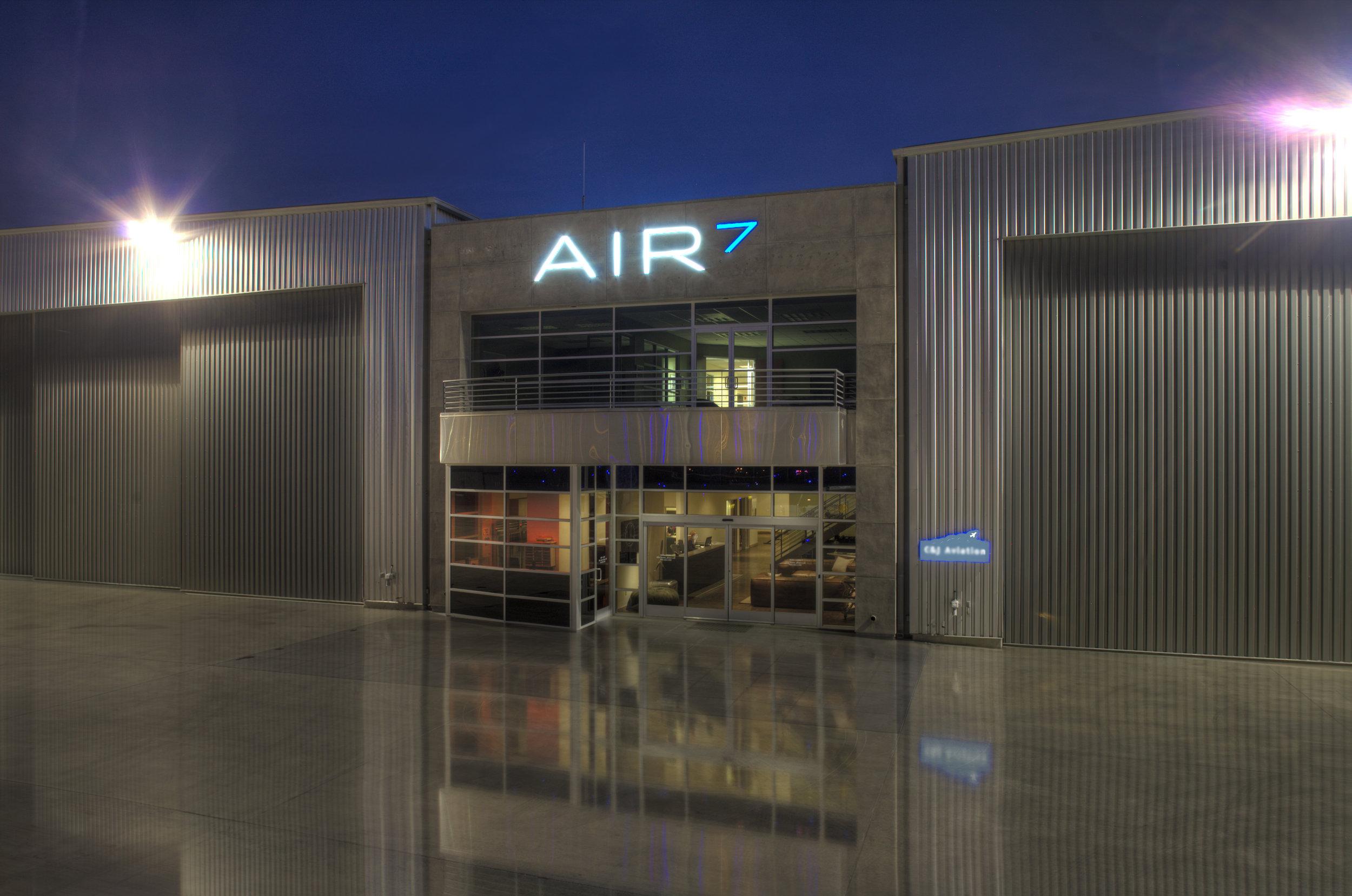 Air7Camarillo3.jpg