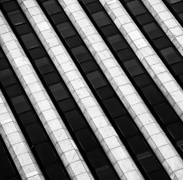 What do you see? a7rIII + 90 f2.8 G  #sonyalpha #sonyalphasclubclub #sonyimages #bealpha #FatalFrames #MoodyGramstl #aov #ArtofVisual #aovmobile #jaw_dropping_photos #adventure #agameoftones #savageframes #nature_good #neverstopexploring #beautifuldestination #earthpix #awesomepix #sonyphotogallery #city #skyscraper #architecture #blackandwhitephotography
