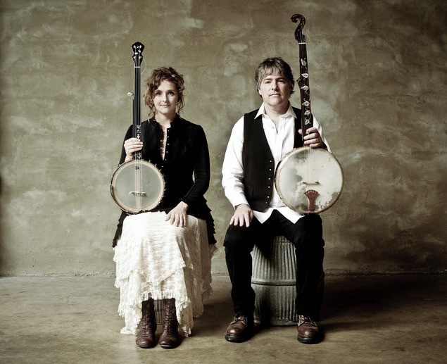 Left to right) Abigail Washburn and Béla Fleck, photo by Jim McGuire