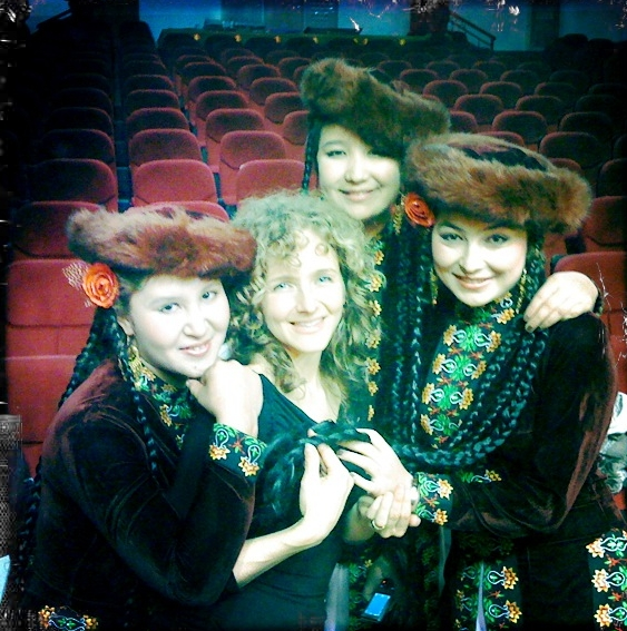 Abigail Washburn and fellow artists on 2016's Silkroad tour, photo courtesy of Abigail Washburn management