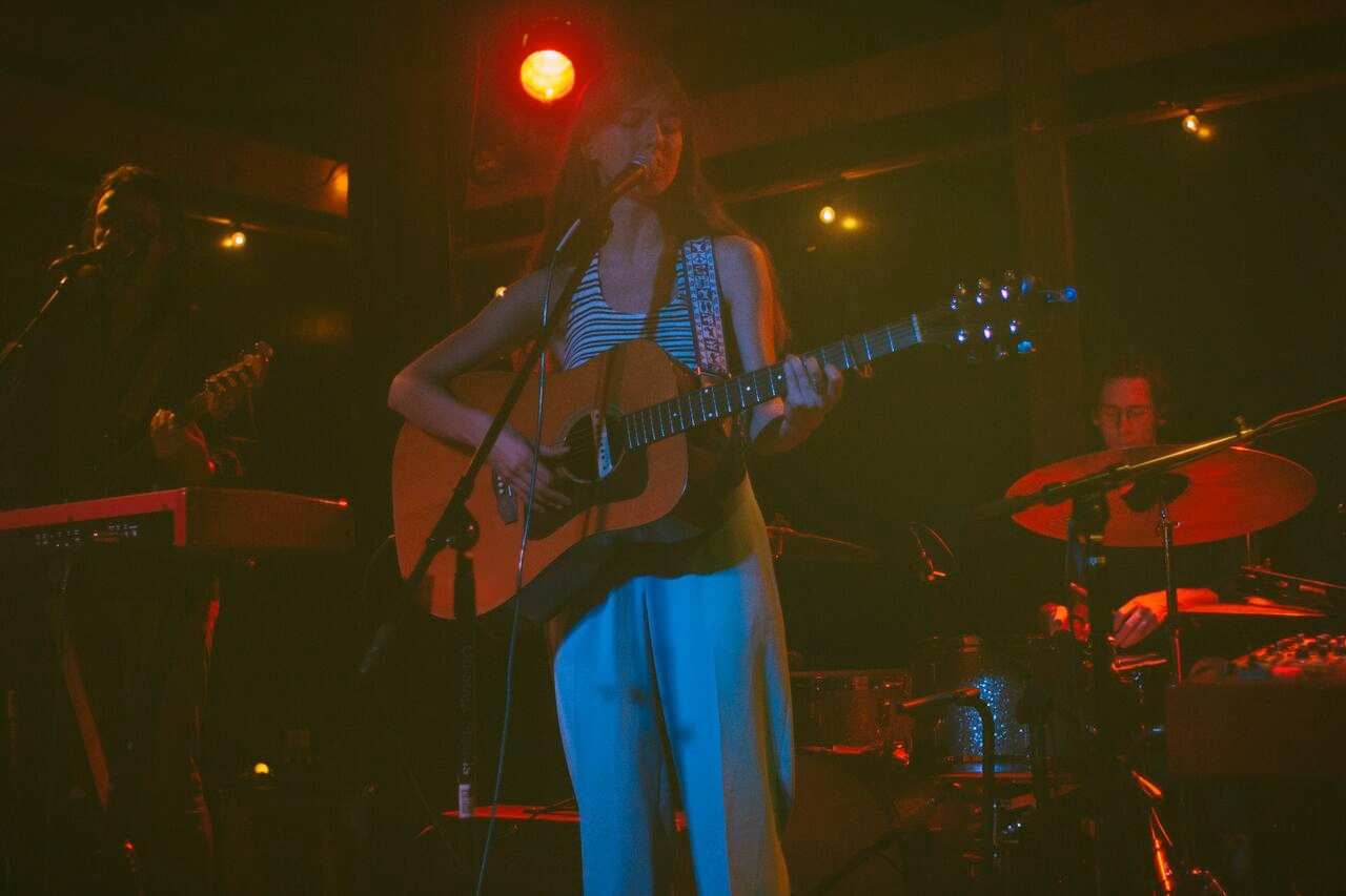 Weyes Blood at Pilot Light in Knoxville, TN, photograph by Bradley Landenberger