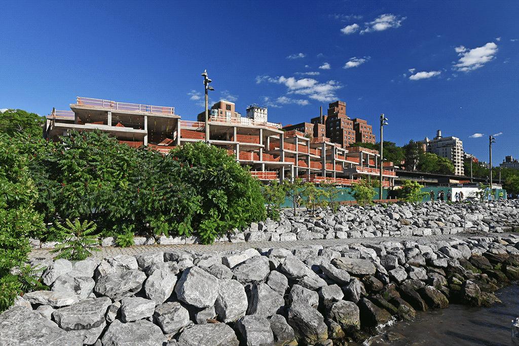 Townhouses viewed from Brooklyn Bridge Park