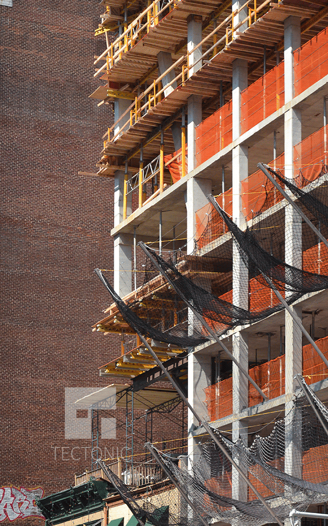 Cantilever on the southern side of the building
