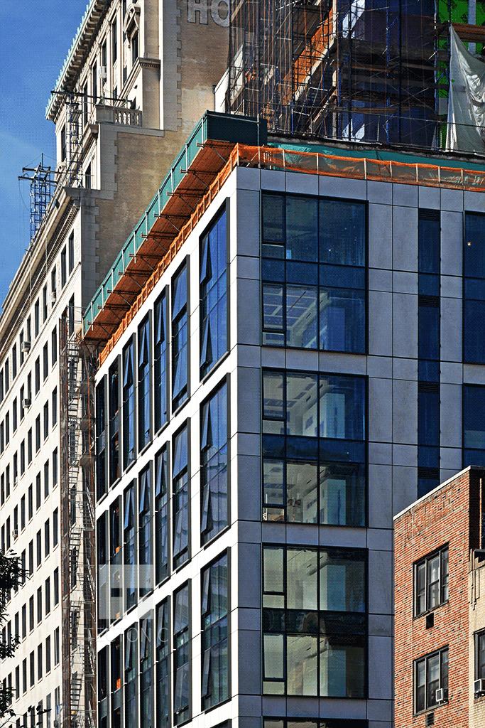 Facade of 90 Lexington Avenue