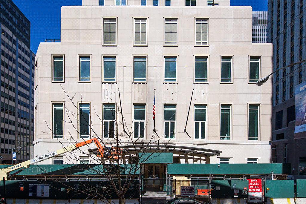 Base along Barclay Street
