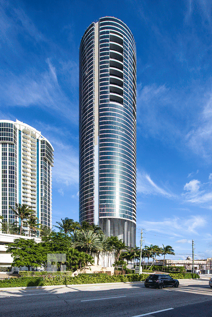 Full height view from Collins Avenue